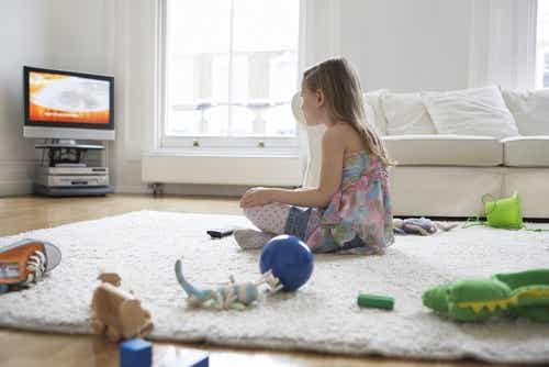 Quanto tempo può stare davanti alla televisione vostro figlio?