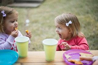 Bambine che mangiano obesità infantile