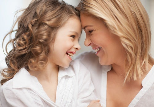 Madre-figlia-felici