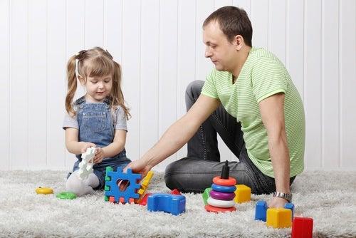 Papà-e-figlia-che-giocano