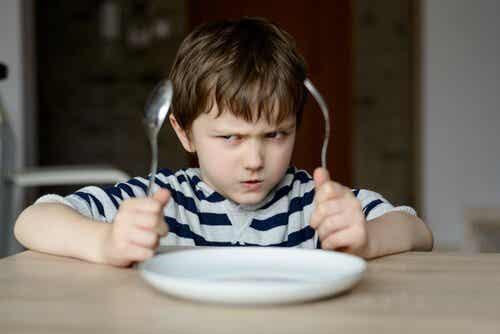 Perché non dobbiamo obbligare i bambini a mangiare?