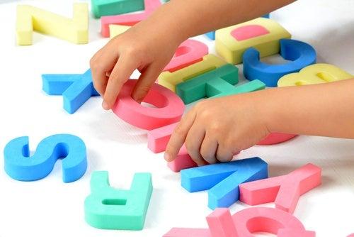 gioco-delle-lettere ritardo psicomotorio