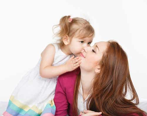 Il giorno in cui diventiamo madri, la vita ci sorride