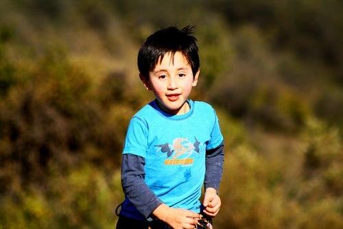 bambino-che-corre