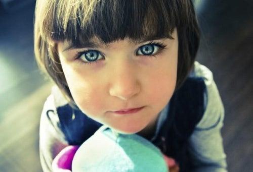 Come sapere se il proprio figlio è un bambino indaco?