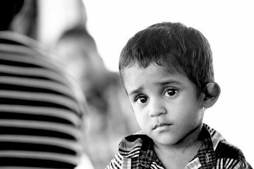 bambino-triste-maltrattato
