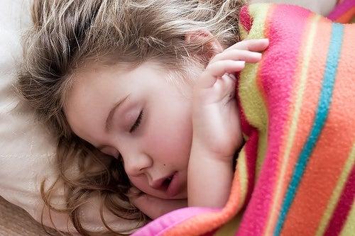 7 sintomi di malattie che non dovete ignorare nei vostri figli