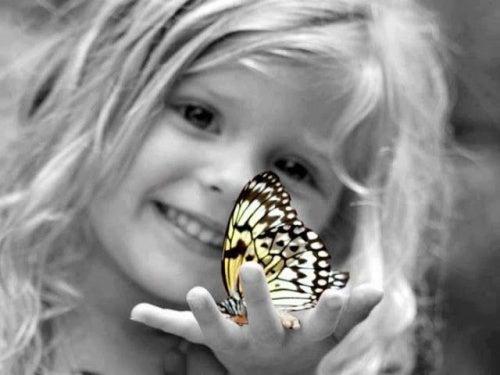 bimba-con-farfalla infanzia