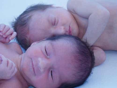 Come prepararsi alla nascita dei gemelli
