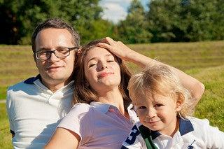 famiglia-felice-in-campagna-dettagli