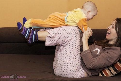 Giochiamo! Attività settimanali per il primo anno del neonato