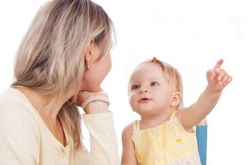 mamma-bambina-linguaggio