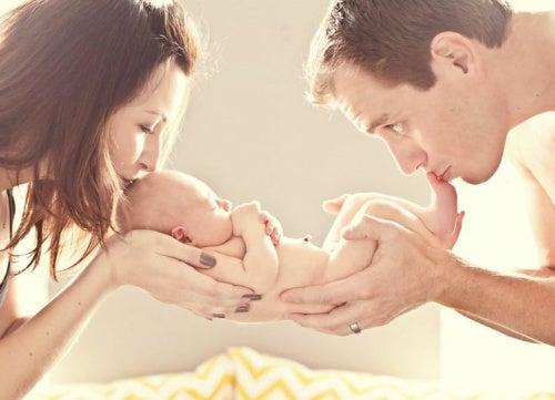 L'amore materno permette di fare tanti sacrifici per il proprio bimbo.