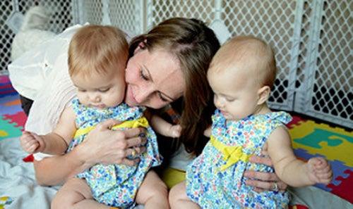 mamma-con-due-gemelline