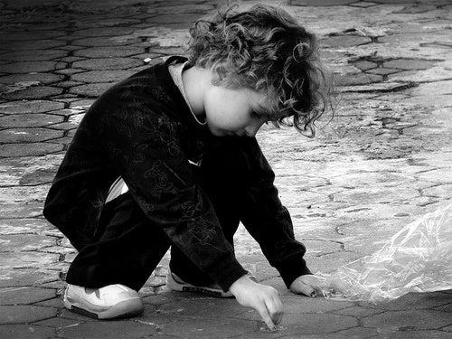 I comportamenti che possono indicare l'autismo