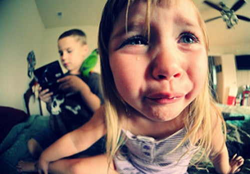 bambina-che-piange-capricci
