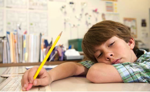 Il bambino pigro non esiste: vostro figlio ha bisogno di attenzione