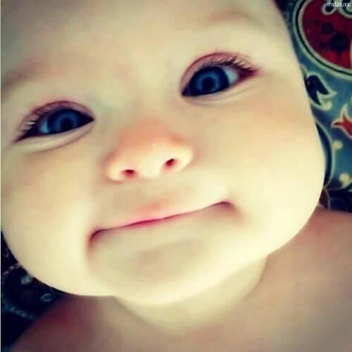 bambino-con-occhi-grandi