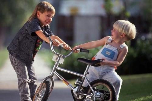 Bullismo: insegnate a vostro figlio come reagire