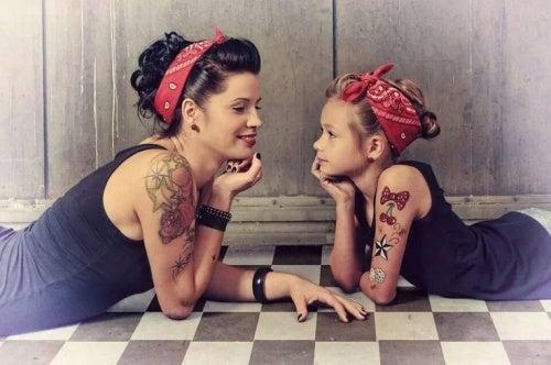madre-e-figlia-pin-up