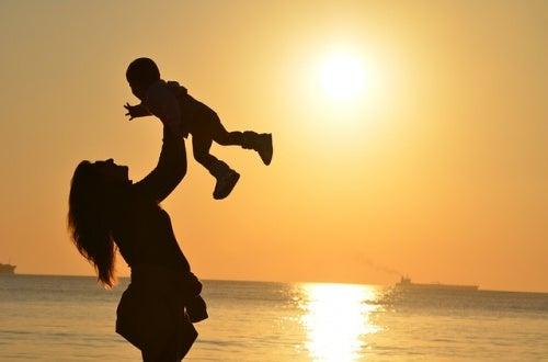 maternita-madre-e-figlio