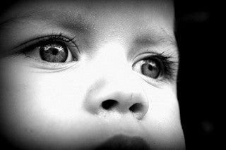 occhi-di-un-bambino-autismo