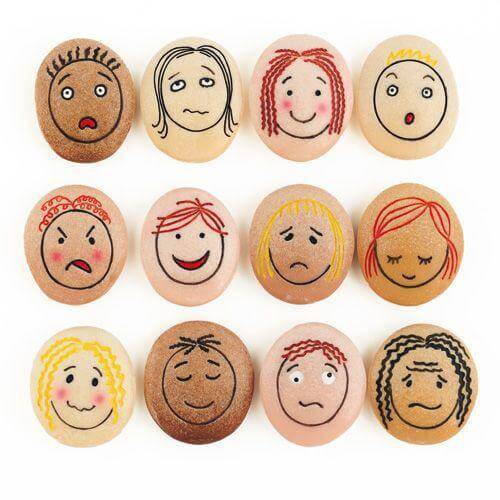 uova-con-emozioni-disegnate
