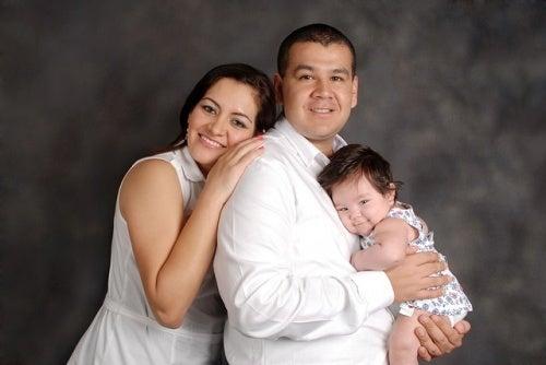 Vero amore: madre, padre e figlia.