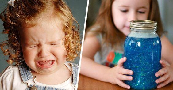 Bambina con il vaso della calma