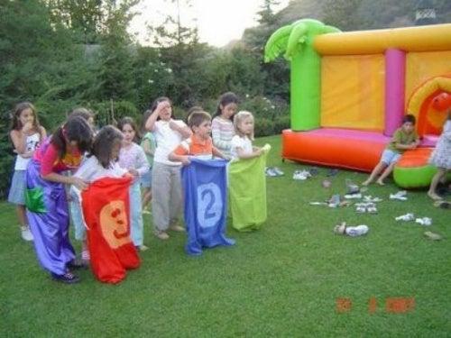 Festa di compleanno in giardino