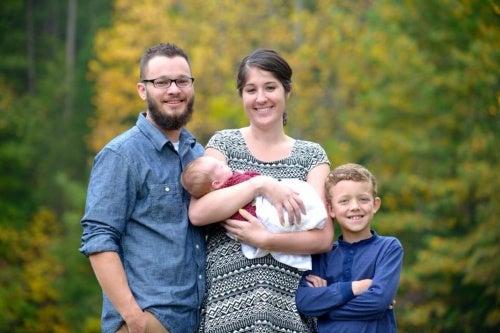 Shelly Cawley con il marito e i due figli