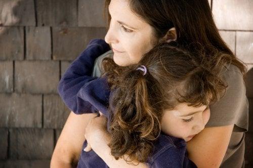 Ansia da separazione: lasciare la figlia all'asilo.