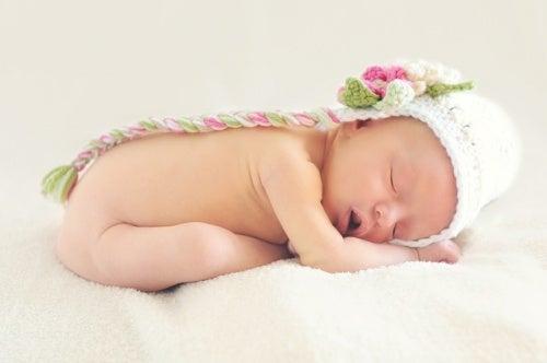 Il sonno del neonato si stabilizza col passare del tempo.
