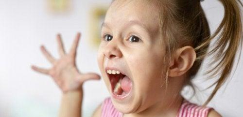 Che cos'è l'aggressività improvvisa del bambino