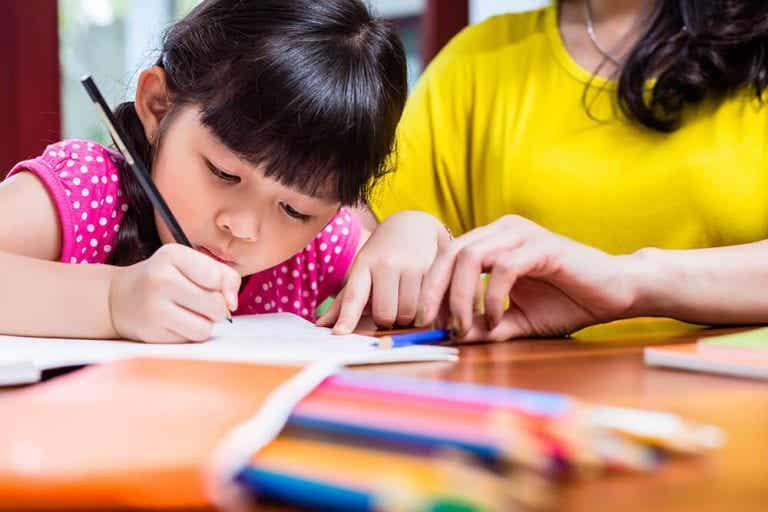5 consigli per aiutare il bambino a scrivere meglio