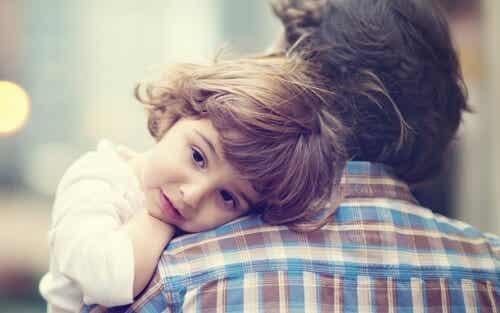 Aiuto: il bambino vuole stare solo in braccio