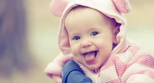 I bambini imparano a ridere dai loro genitori