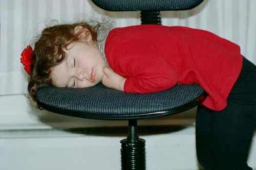 Cosa succede se i bambini vanno a letto tardi?