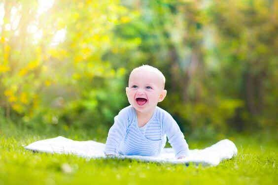Gattonare: quali sono i principali benefici per il bambino