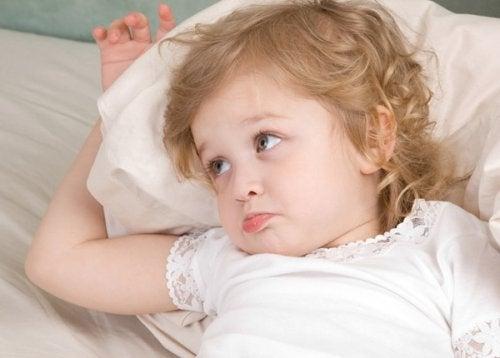 Perché i bambini chiedono l'acqua quando vanno a dormire?