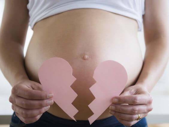 3 cause dell'aborto spontaneo