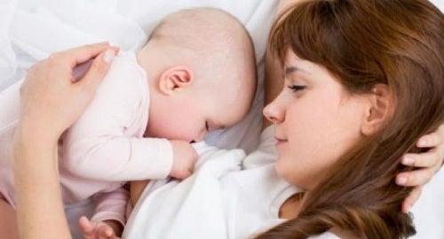 Per iniziare lo svezzamento bisogna cominciare a separarsi un po' da nostro figlio