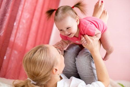 Tra madre e figlia si instaura un vincolo unico e fortissimo.