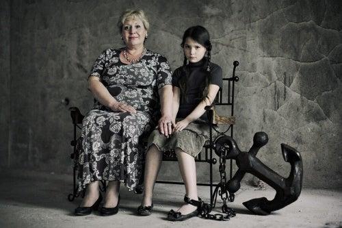 Madri tossiche: gli effetti negativi sui figli