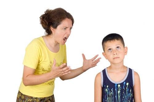 Le cattive abitudini che ogni genitore dovrebbe eliminare