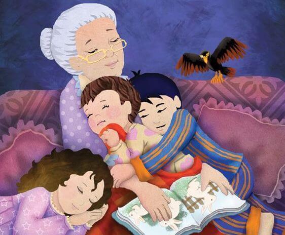 Una nonna dorme con accanto i suoi nipotini dopo avergli letto una storia.