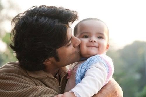Le cattive abitudini che ogni genitore dovrebbe eliminare ci impediscono di vivere felici