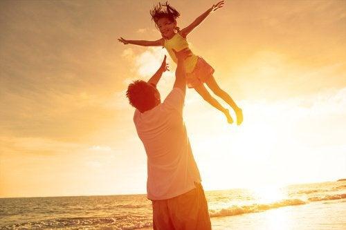 Non essere un padre assente: gioca con i tuoi figli
