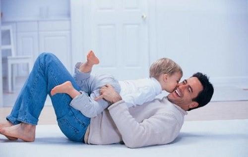 L'importanza del papà si manifesta anche nei momenti dedicati al gioco