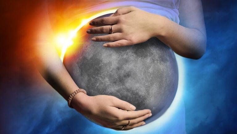 Le eclissi influiscono sulla gravidanza?
